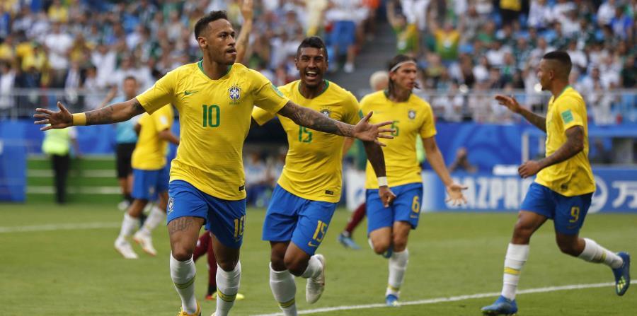 Neymar lideró a Brasil en le triunfo 2-0 sobre México. (AP) (horizontal-x3)