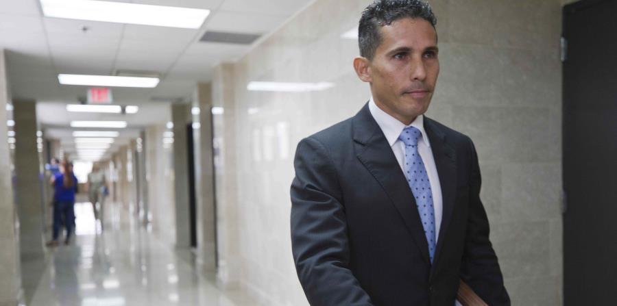 Los fiscales Omar Manfredy y Wandie Camacho presentaron los cargos contra Rosalinda Acosta Vélez y su hijo Luis Gabriel Acosta Castro. (horizontal-x3)
