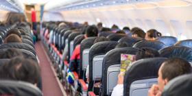 8 acciones que nunca debes hacer en un avión