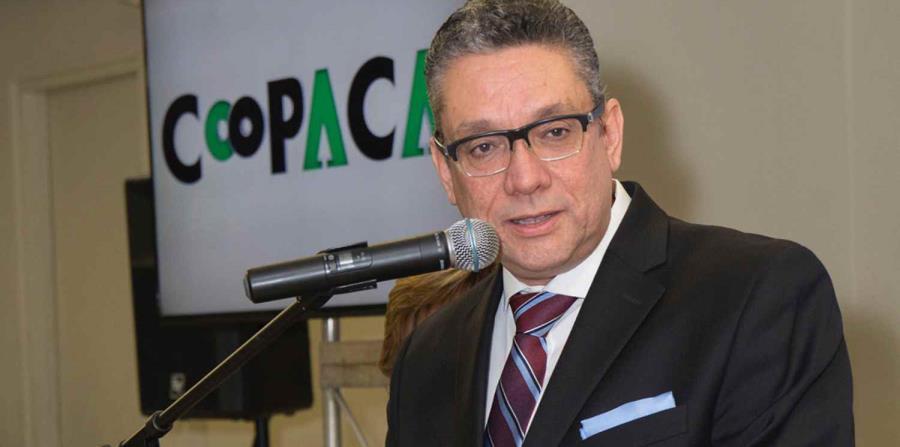 En la foto está William Méndez Pagán, presidente ejecutivo de Coopaca. (horizontal-x3)