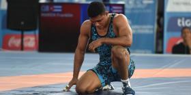 Temprano revés de Franklin Gómez en el Campeonato Mundial de Lucha