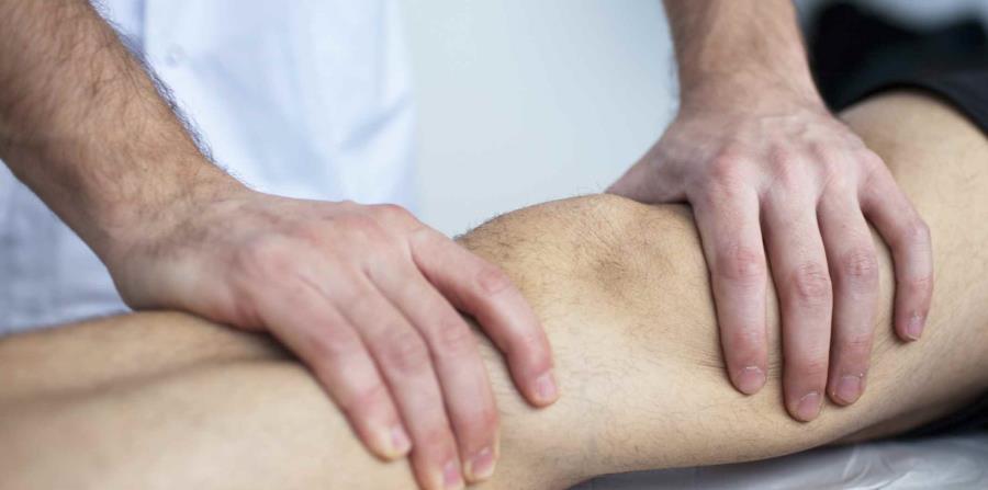 El paciente de linfedema recibe en sus tratamientos masajes superficial es en la extremidad afectada. (Suministrada)