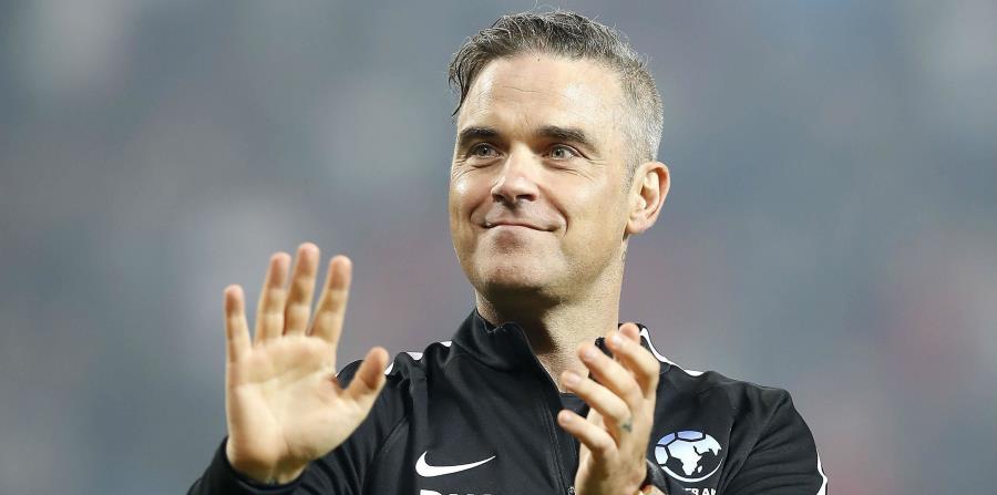 Robbie Williams es un gran fanático del fútbol. (horizontal-x3)