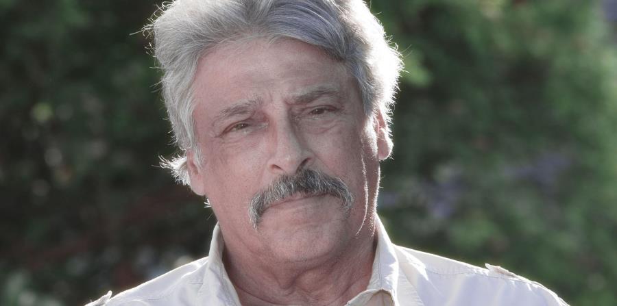 """José M. Umpierre, codirector y coproductor del documental """"Bancarrota"""", que estrena mañana en las salas de cine de San Patricio Plaza, en Guaynabo. (horizontal-x3)"""