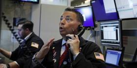 Wall Street supera fuerte baja y cierra con resultados mixtos