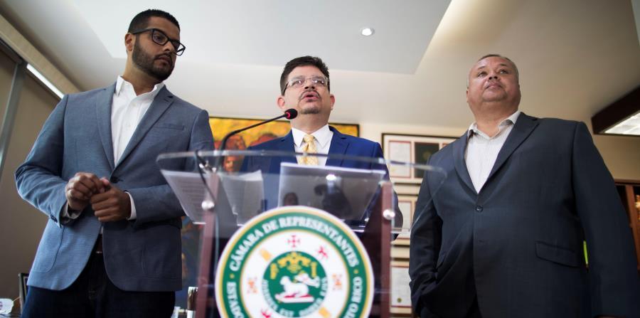 Jesús Ortiz, Javier Aponte Dalmau y Aníbal Díaz señalaron que Héctor Pesquera no tiene las capacidades para manejar emergencias. (horizontal-x3)