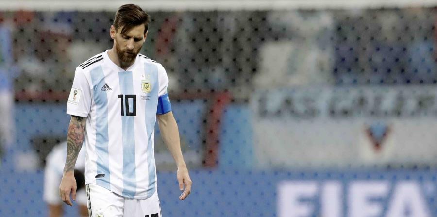 El delantero de Argentina Lionel Messi al final del partido que su equipo perdió 3-0 ante Croacia por el Grupo D del Mundial en Nizhny Nóvgorod, Rusia. (AP) (horizontal-x3)