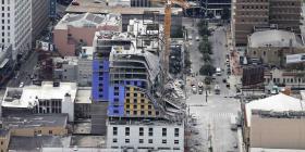 Buscan a desaparecido tras colapso de hotel en Nueva Orleans
