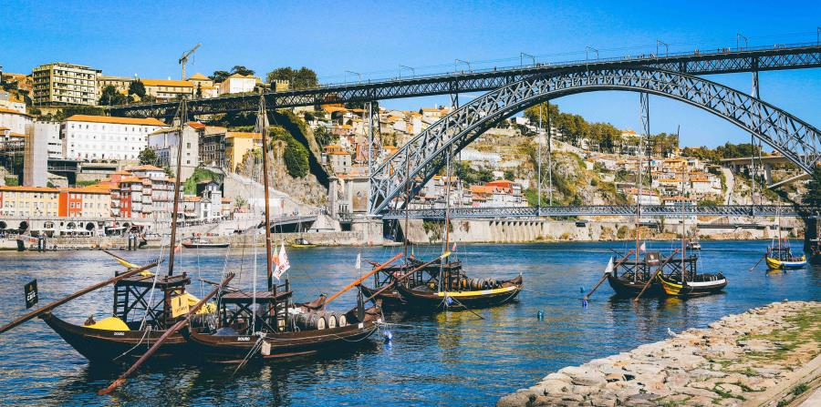 Oporto se está convirtiendo en un punto de partida popular para cruceros por el río Duero. (Unsplash)