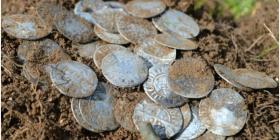 Descubren un tesoro de más de 500 monedas de oro y plata