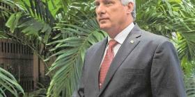 Miguel Díaz-Canel se convierte en el primer presidente formal en Cuba en 43 años