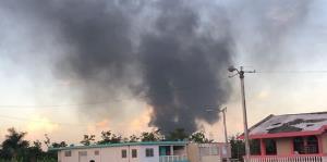 Usuarios de endi.com comparten imágenes del fuego en Bayamón