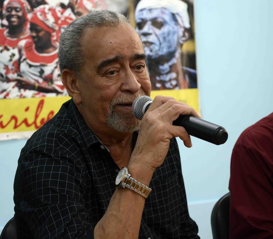 Andy Montañez resaltó la acogida que ha tenido en la ciudad santiaguera, donde se presentó por primera vez en 1981 junto a la afamada orquesta venezolana Dimensión Latina. (Miguel Rubiera Justiz) (semisquare-x3)