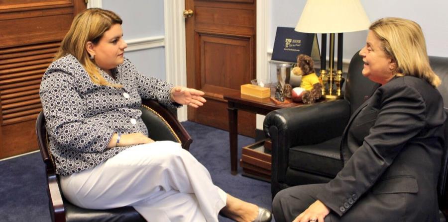 La comisionada residente, Jenniffer González, junto a la congresista Ileana Ros-Lehtinen. (horizontal-x3)