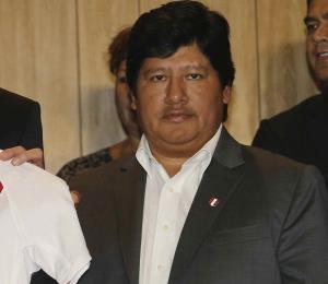 Arrestan al presidente de la Federación Peruana de Fútbol