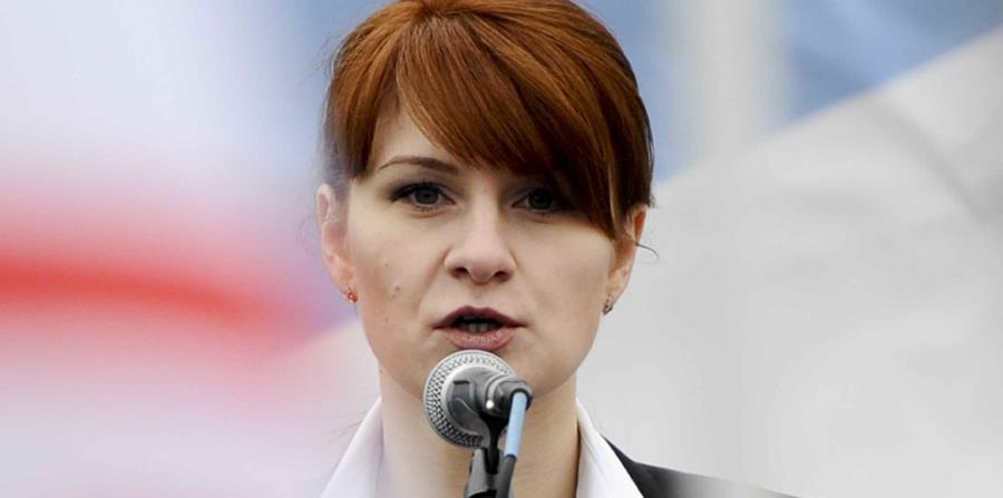Maria Butina, activista a favor de las armas de fuego, actualmente acusada de espiar contra EEUU, en un discurso en Moscú el 21 de abril del 2013. (AP) (horizontal-x3)