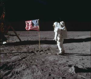 Sotheby's subasta vídeos de primera caminata en la Luna por $1.8 millones