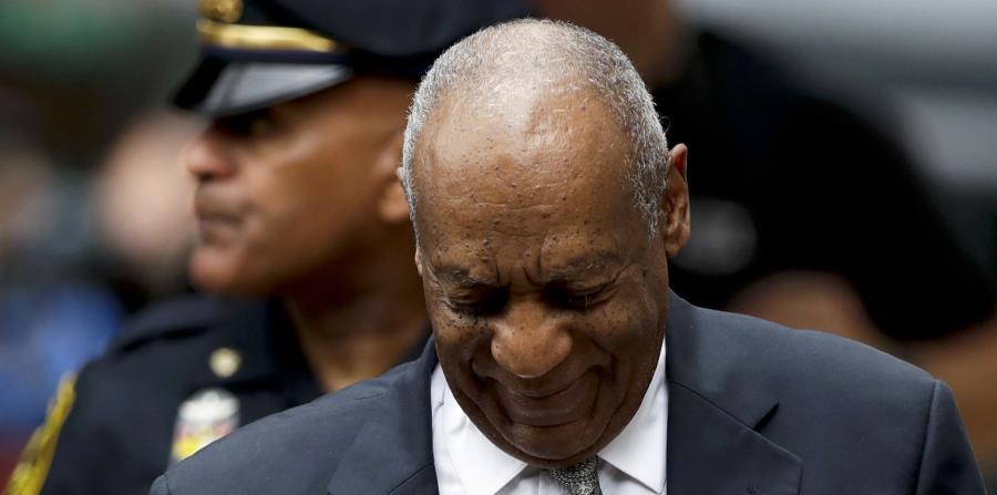 Bill Cosby a su llegada a la corte de Montgomery. (horizontal-x3)