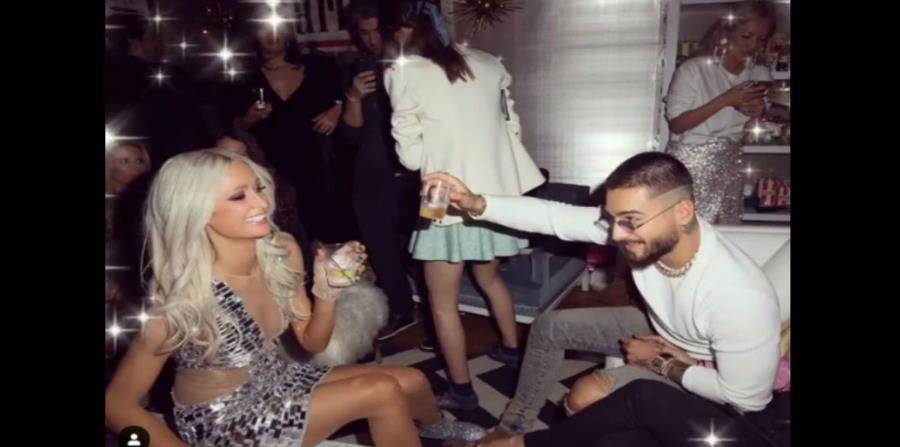 Paris Hilton festejó su cumpleaños y brindó junto a Maluma