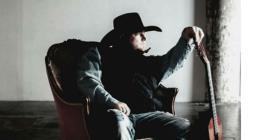 Murió el cantante Justin Carter al dispararse accidentalmente