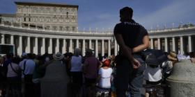 """Piden llevar a juicio a dos sacerdotes por """"abuso sexual"""" dentro del Vaticano"""