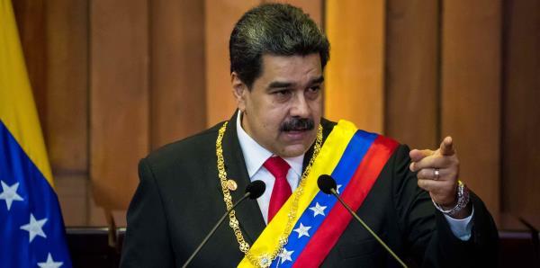 """Guaidó pide """"confianza"""" y Maduro insiste en sus acusaciones de terrorismo"""
