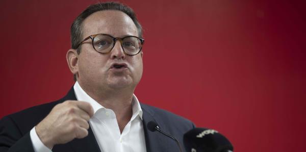 """Juan Carlos Albors pide a Jenniffer González detener la """"confiscación"""" de fondos de recuperación"""