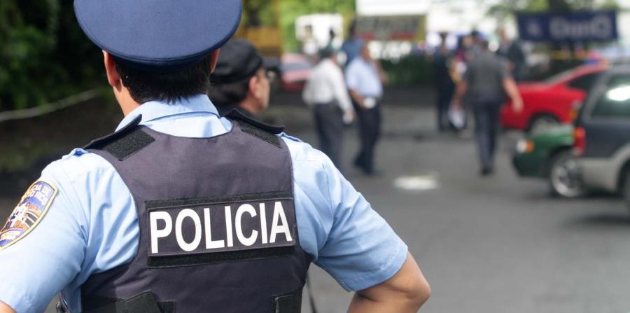 Junto al fiscal Carlos Rodríguez Rodríguez, la División de Homicidios de Vega Baja investiga el caso. (horizontal-x3)