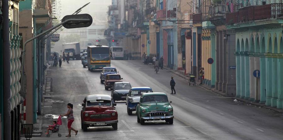 Vista de una calle de La Habana, en Cuba (horizontal-x3)
