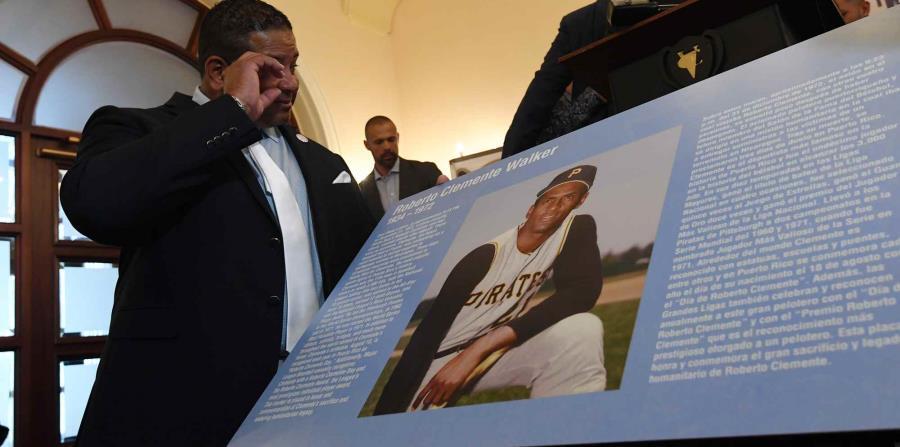 En la foto está Luis Clemente, hijo del pelotero Roberto Clemente. (horizontal-x3)