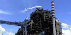 La AEE y AES atienden incidentes separados en las centrales de Guayama y Guayanilla