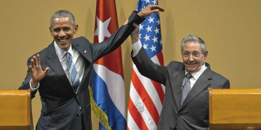 Baracak Obama, Raúl Castro (horizontal-x3)