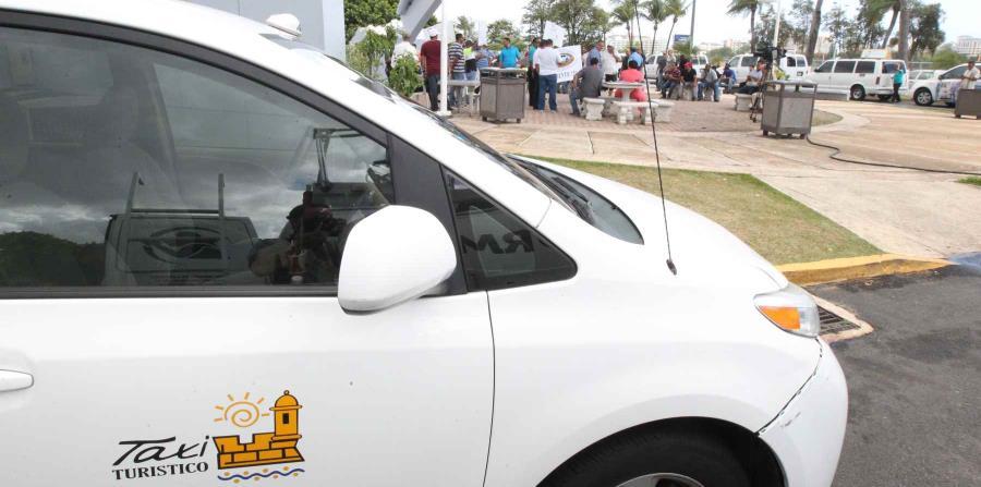 Solo los taxistas podrán recoger pasajeros en las áreas turísticas. (horizontal-x3)