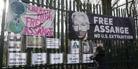 "Julian Assange responsabiliza a diario ""The Guardian"" en identificación de fuentes confidenciales"