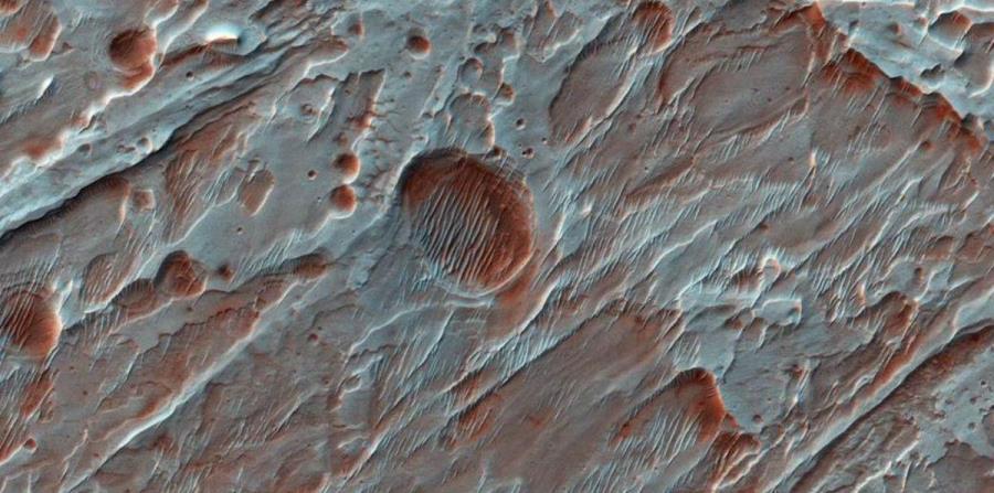 La NASA revela una imagen de un cráter formado por el agua en Marte (horizontal-x3)