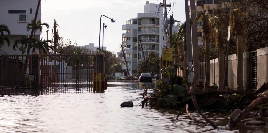Tras el paso del huracán María en septiembre, las inundaciones en las calles de Ocean Park, en San Juan, demoraron varios días en disiparse. (horizontal-x3)