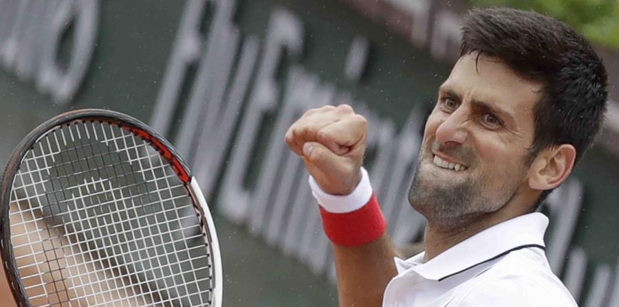 Novak Djokovic en un partido contra Roberto Bautista. (AP / Alessandra Tarantino) (horizontal-x3)