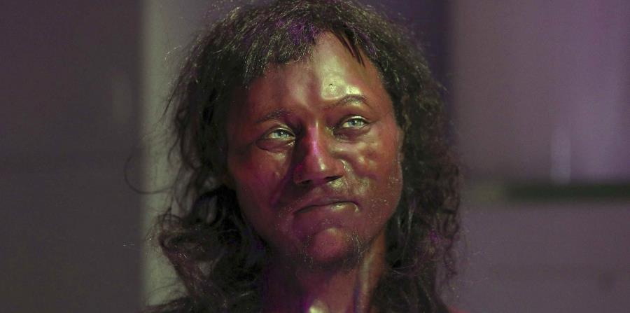 El primer británico moderno tenía ojos azules y piel oscura (horizontal-x3)