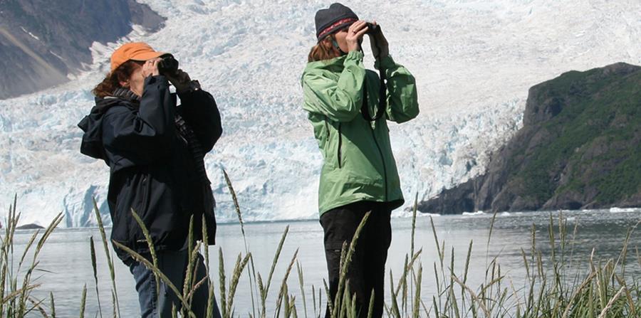 Turistas conociendo las bellezas naturales de Alaska. (Suministrada)