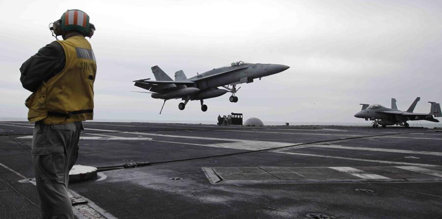 La Casa Blanca anunció el envío de un portaviones y varios bombarderos al Golfo Pérsico debido a una posible amenaza de Irán. (AP / Hassan Ammar) (horizontal-x3)
