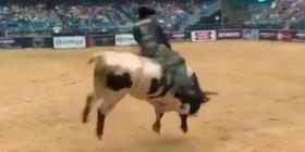 Fallece un jinete de toros durante una competencia en Denver