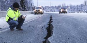 Impresionantes imágenes de Alaska tras ser estremecido por dos fuertes sismos