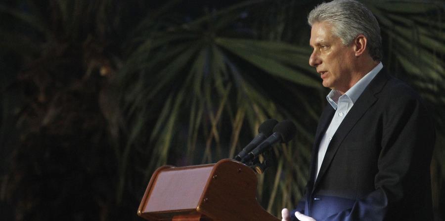 El presidente cubano, Miguel Díaz-Canel, preside el acto inaugural del Salón del Deporte Cubano, en la Ciudad Deportiva, el viernes, 13 de julio del 2018, en La Habana, Cuba. (EFE) (horizontal-x3)