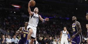 Los Mavericks de Dallas oficializan el regreso de José Juan Barea