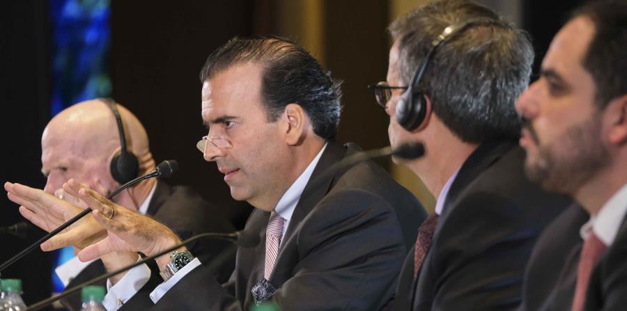 """Cuando se le insistió en el tema, para que indicara si los miembros actuales estarían dispuestos a continuar en la JSF, José Carrión reiteró que """"la contestación es que no tengo ni tenemos ningún comentario"""". (horizontal-x3)"""