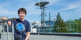 A sus 23 años ya descubrió 17 planetas