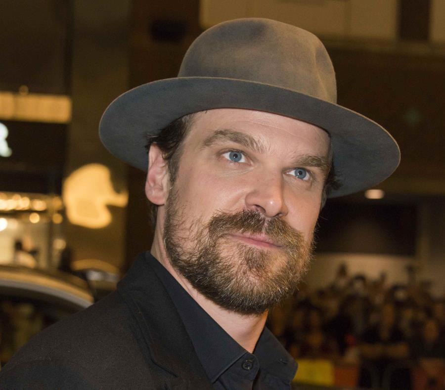 Actor de Stranger Things confesó que padece de trastorno bipolar