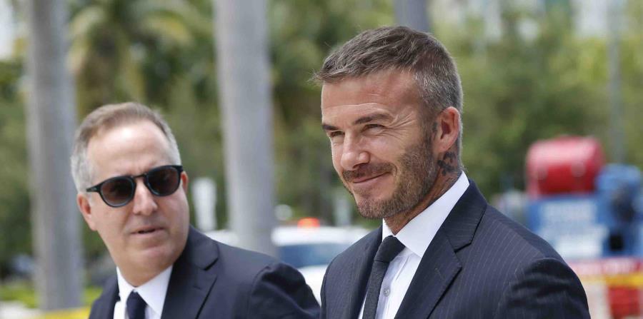David Beckham y su socio Jorge Mas abandonan la alcaldía de Miami. (AP) (horizontal-x3)