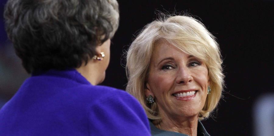 En la foto, la secretaria de Educación federal, Betsy DeVos (horizontal-x3)