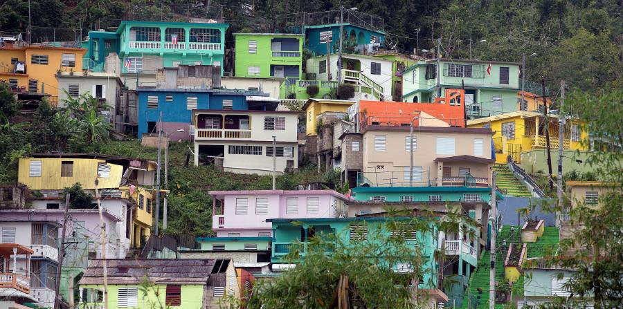 El promedio de asistencia económica recibida por los afectados por el huracán María es menor que nueve de los últimos 11 huracanes grandes que han pasado por jurisdicciones de Estados Unidos. Al lado, el pueblo de Comerío, uno de los más afectados. (horizontal-x3)